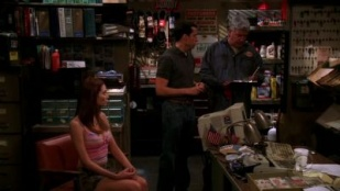Two and a Half Men 03x18 : The Spit-Covered Cobbler- Seriesaddict